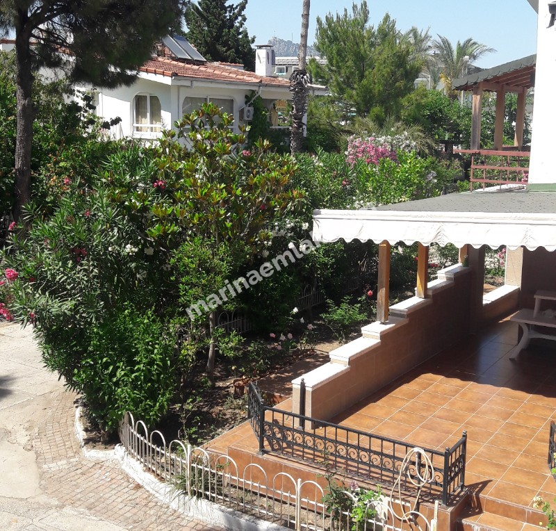 Villa for sale by the sea in kemer camyuva