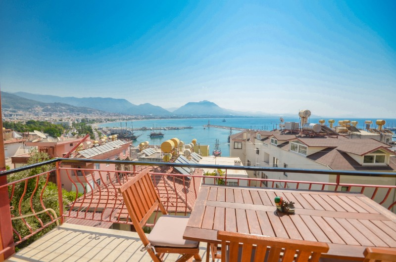 ALANYA CASTLE 2+1 DETACHED FLAT WITH FULL SEA VIEW